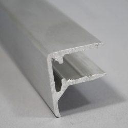 """Vízorros ALU """"U"""" profil 10 mm-es pc cellák lezárásához, 2,13 m (rendelhető még 3,2-4,26-6,4 m)"""